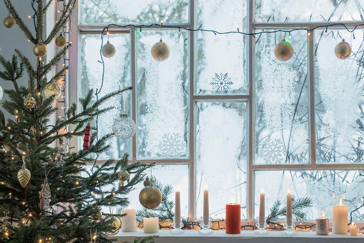 Dekoracja okna świątecznego - szron na szybach