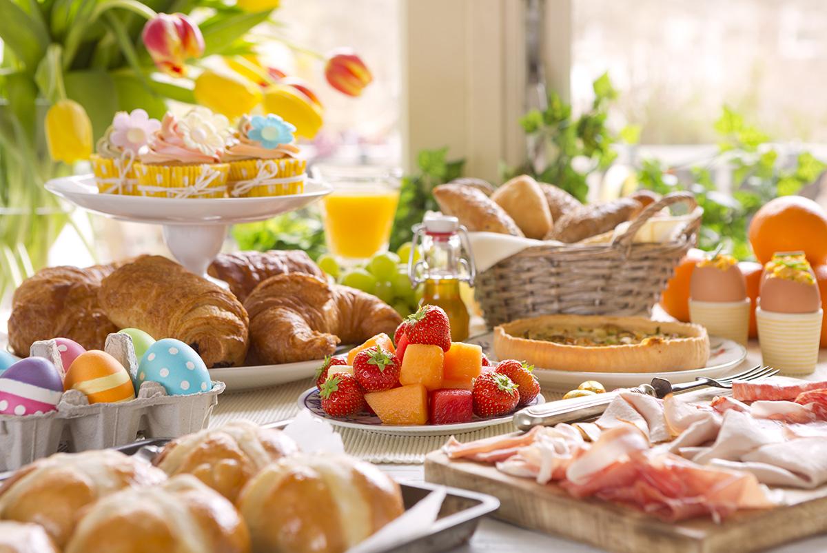Ładnie udekorowany stół Wielkanocny